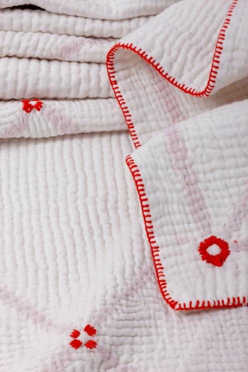 White on White Quilt 4d