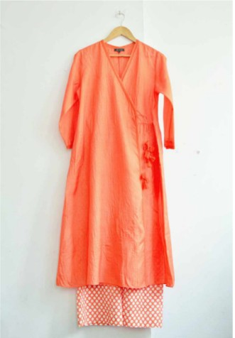 Artisau red kurta and dotted pyjama